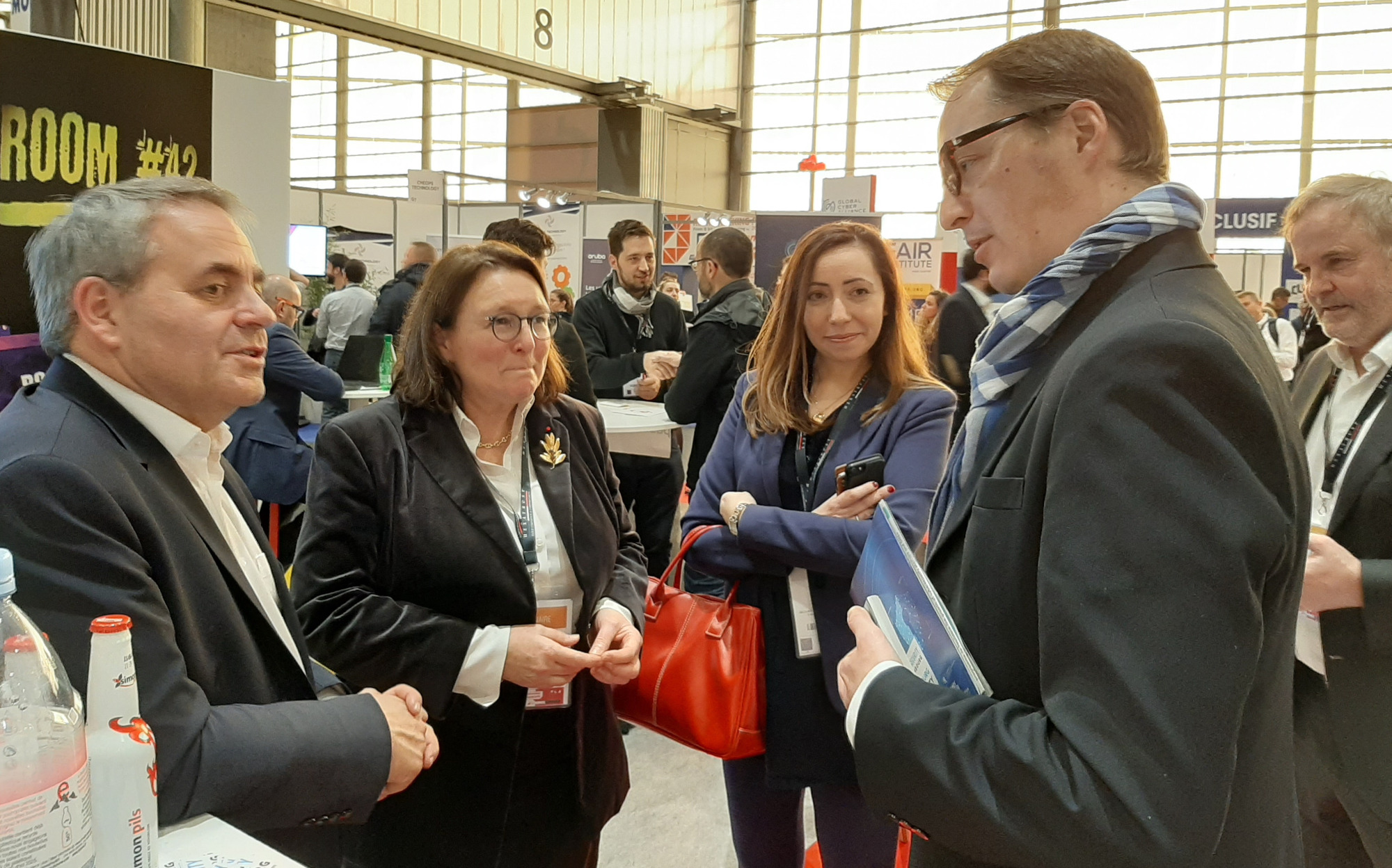 Xavier Bertrand, président du conseil général des Hauts de France, de SE Martine Schommer, ambassadeur du Luxembourg à Paris